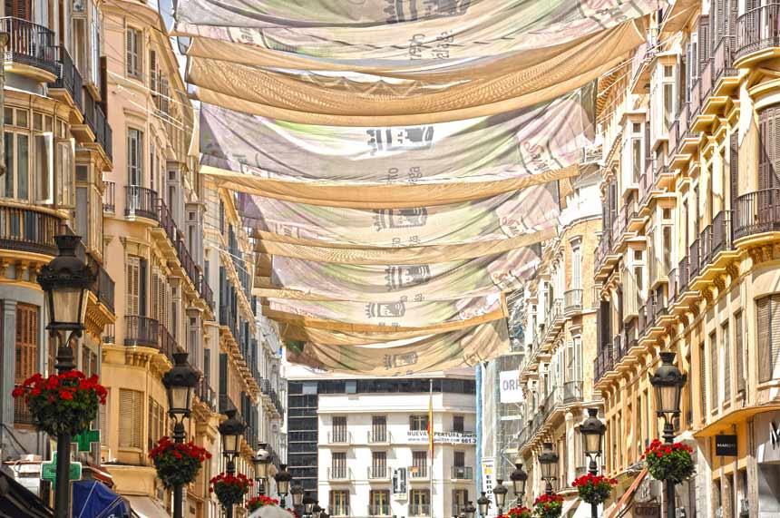 Toldos de la calle Larios en Malaga