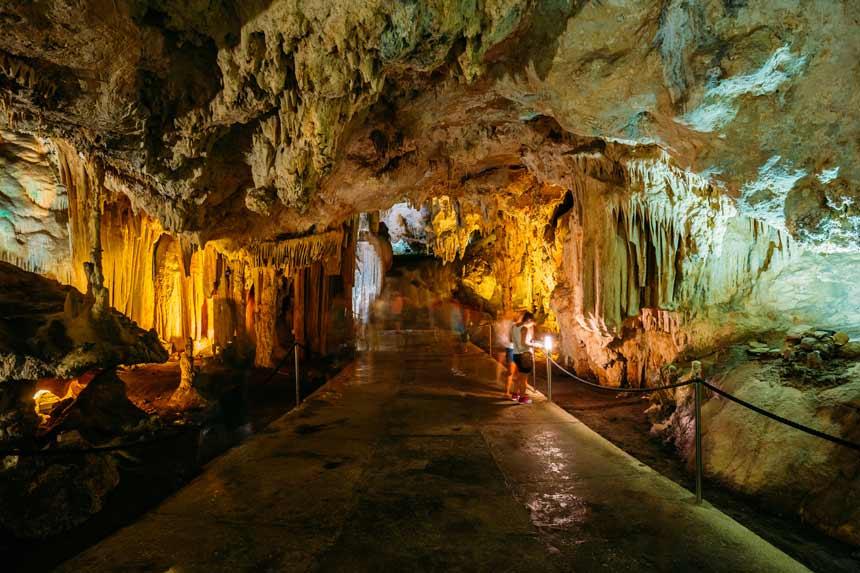 interior de las cuevas de Nerja
