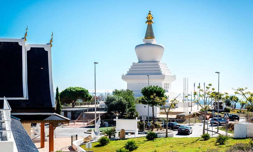 estupa budista de benalmadena en la costa del sol