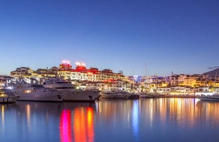 Puesta de sol en Puerto Banus, Marbella