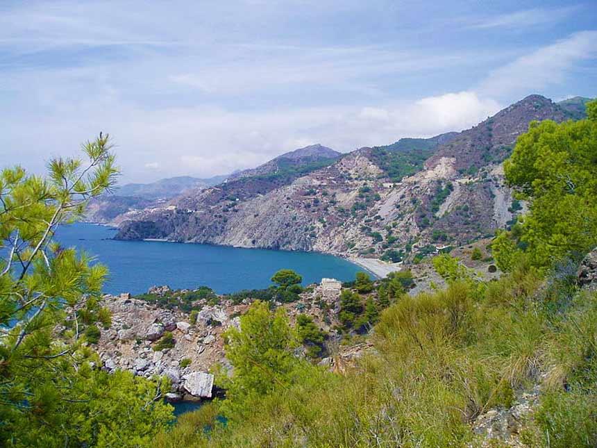 acantilados de maro en Nerja, España