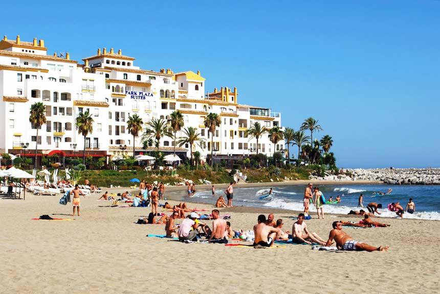 playa puerto Banus en Marbella