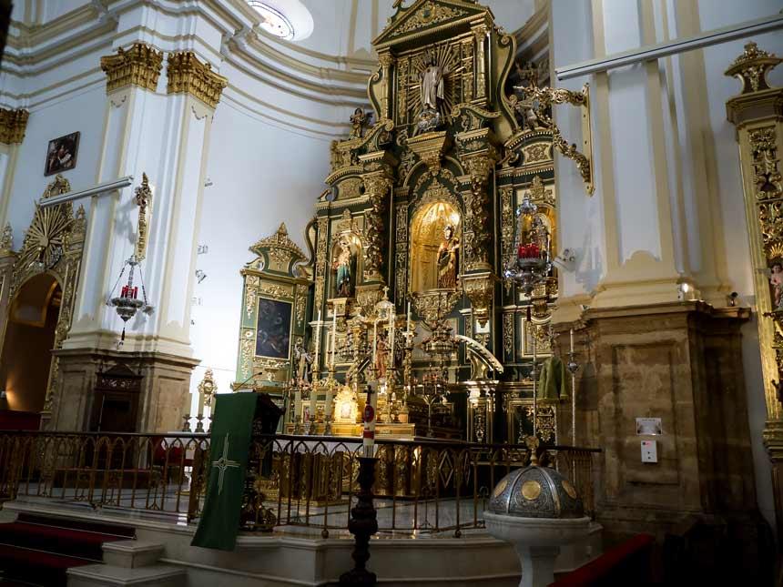 Interior de la iglesia de la Encarnacion de Marbella