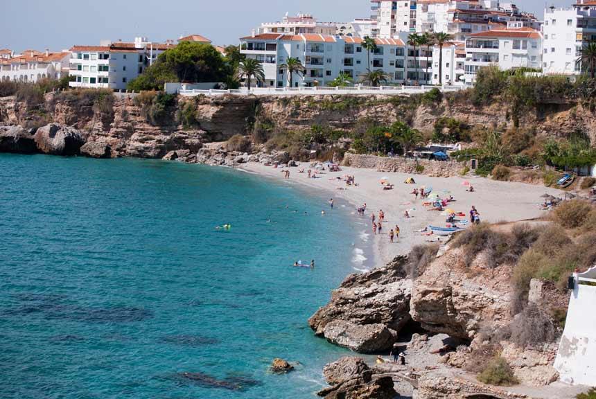 Playa El Salón de Nerja