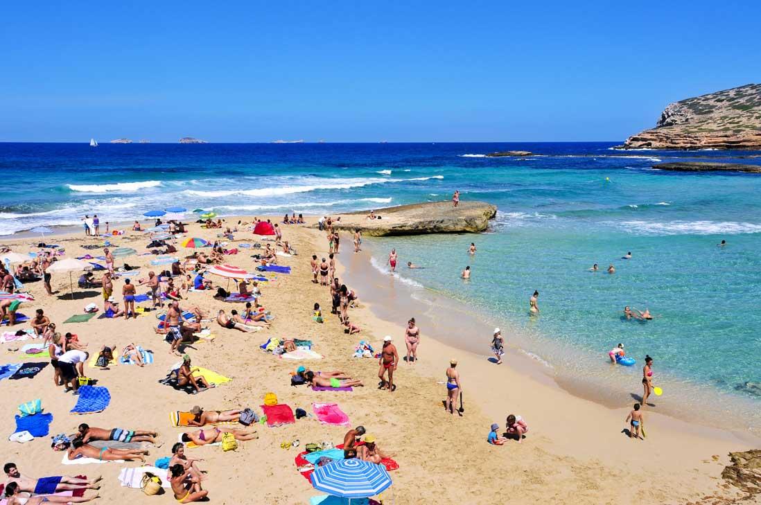 playa cala compte en san josep