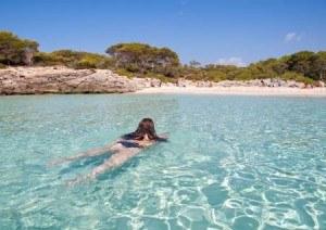Imprescindibles de Ciutadella aguas cristalinas de las calas de Menorca