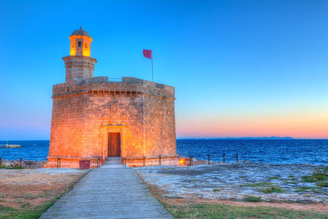 Atardecer en el Castell de Sant Nicolau en Ciutadella Menorca
