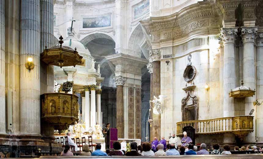 Interior de la catedral de Cadiz