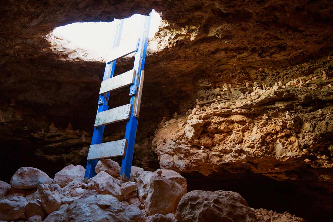 Cueva en el Faro Cap de Babaria Formentera