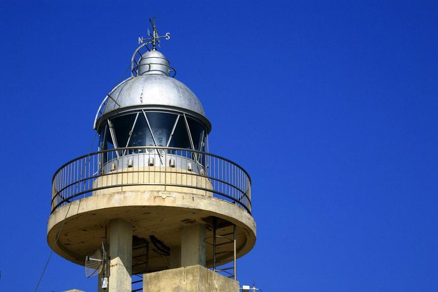 Foco del Faro de Roche en Conil de la Frontera