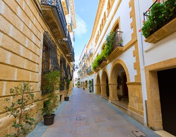 calles estrechas del corazon del casco historico de Javea