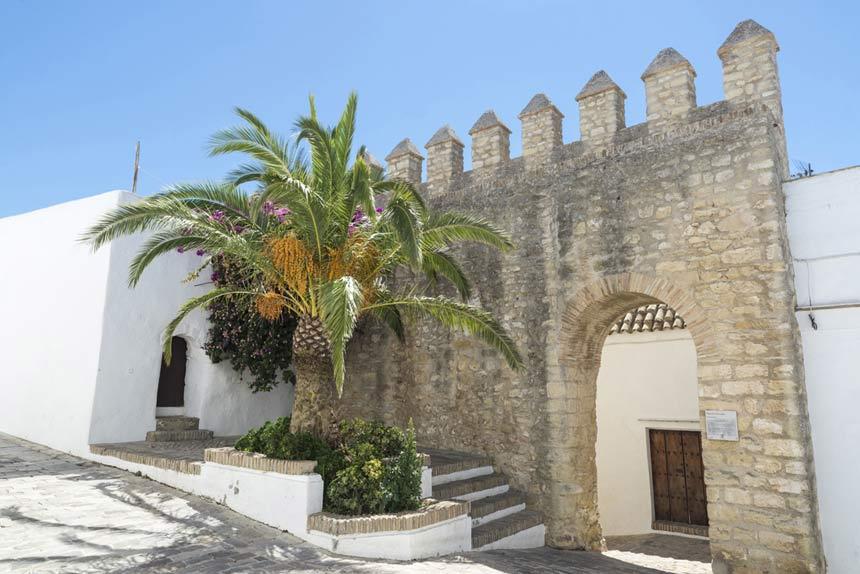 Murallas-Castillo-Vejer-de-la-Frontera,-Costa-del-Sol-2
