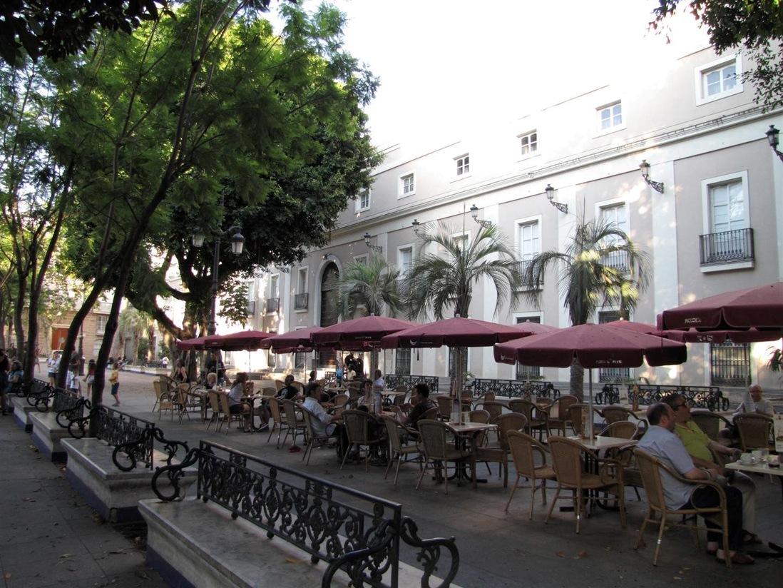 Vista fachada del Museo Cadiz, Andalucia
