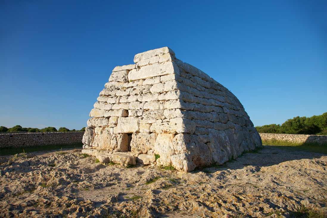 Naveta des Tudons en Ciutadella Menorca
