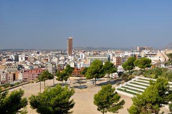 vista panoramica del parque Ereta y la ciudad de Alicante