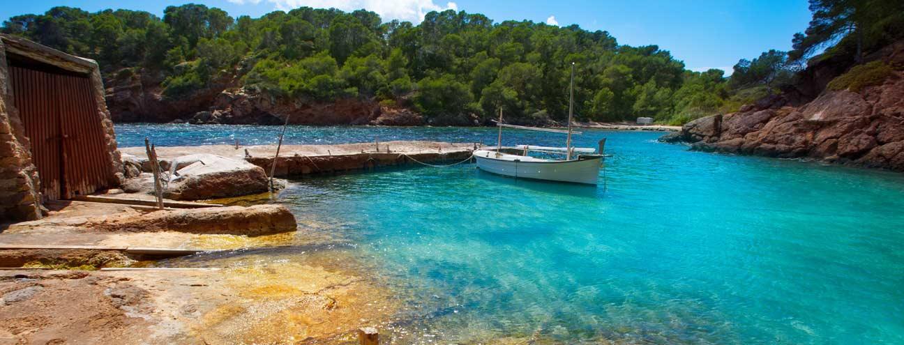 Playa-Cala-Mastella-Santa-Eulalia