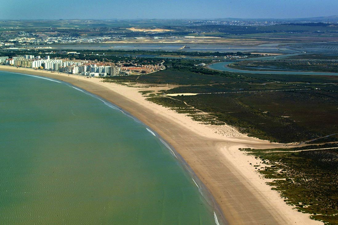 Foto aerea de la playa de Lenvate en Puerto de Santa Maria