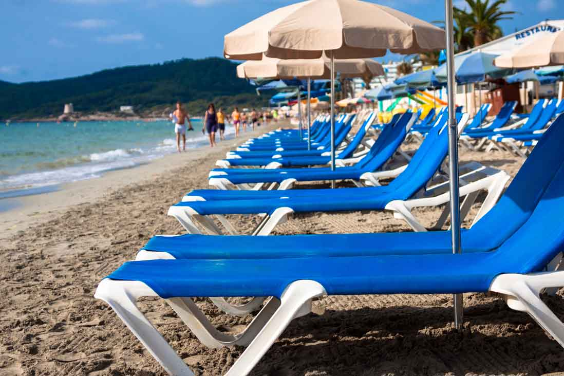 Playa-den-bossa,-Ibiza,-Islas-Balears