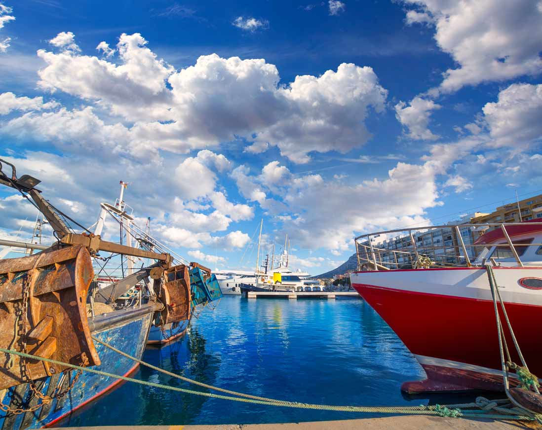 Imprescindibles de Denia lonja de pescador en el puerto de Denia
