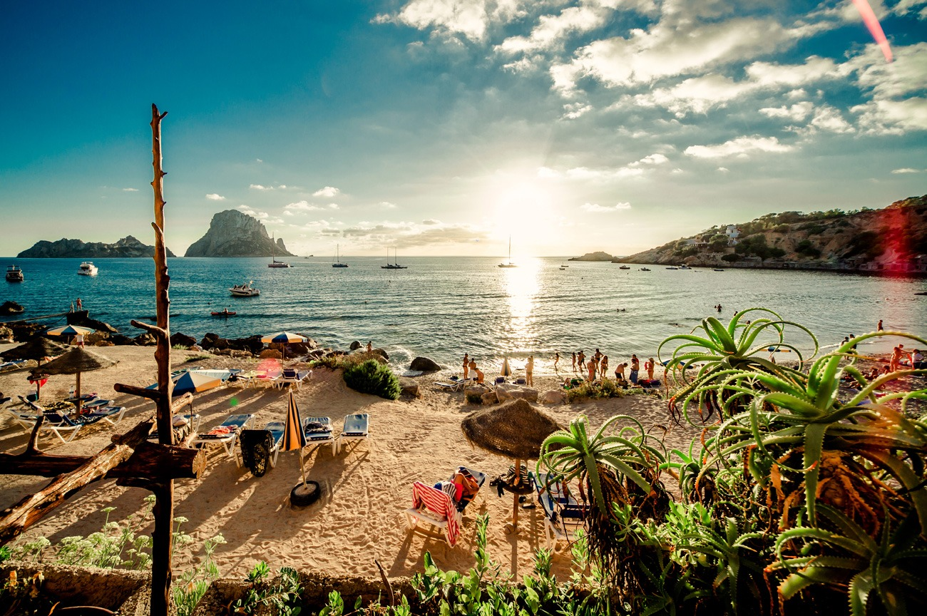 hermosa playa cala d'hort en San Josep