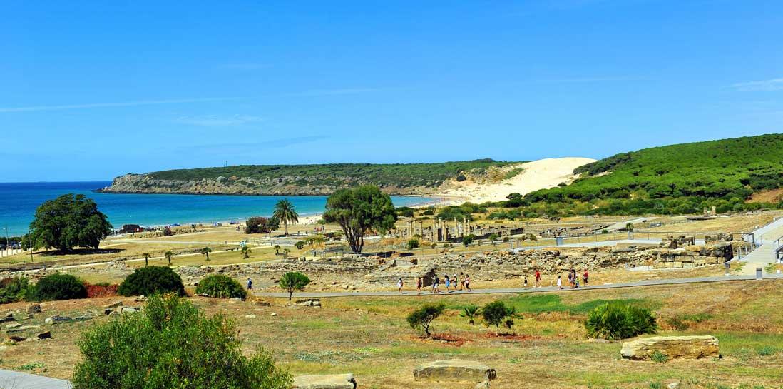Ruinas de Conjunto arqueológico Baelo Claudia con vistas al Mediterraneo