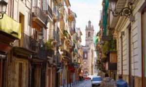 Imprescindibles de Valencia calle estrecha del barrio del carmen en el centro de Valencia