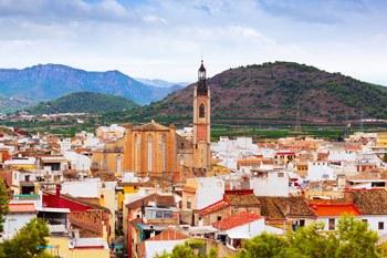 vista panoramica de Sagunto y la iglesia de Santa Maria