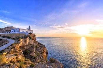 preciosa puesta de sol en el faro albir de altea en la costa blanca