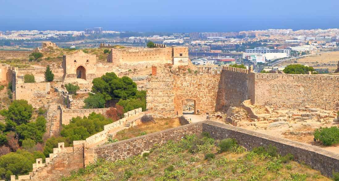 vistas desde lo alto del castillo de sagunto en la comunidad valenciana