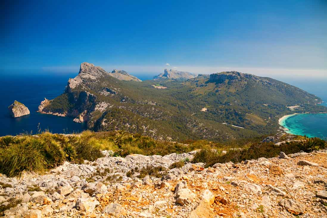espectacuar vista panoramica del cabo de formentor al norte de la isla de mallorca Malloca