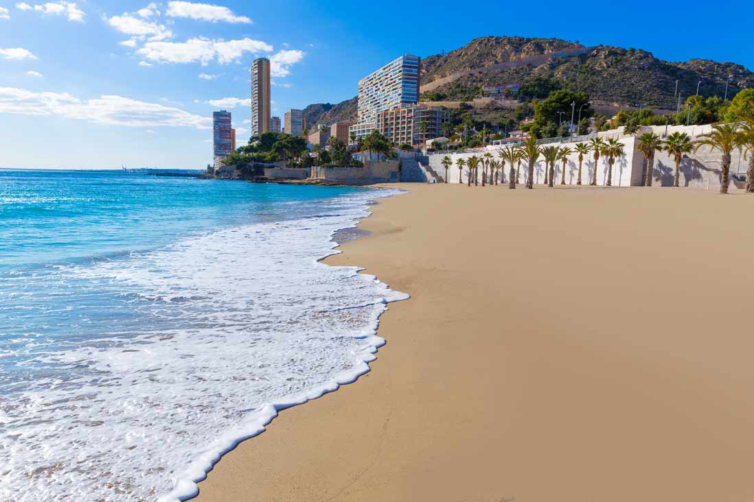 Playa de la albufereta qu ver gu a de alicante tripkay - Residencial isla tabarca ...