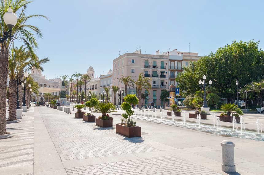 Plaza de San Juan de Dios en el barrio del Populo
