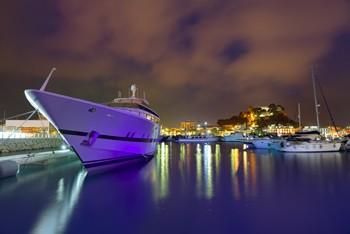 puerto de denia junto al Castillo