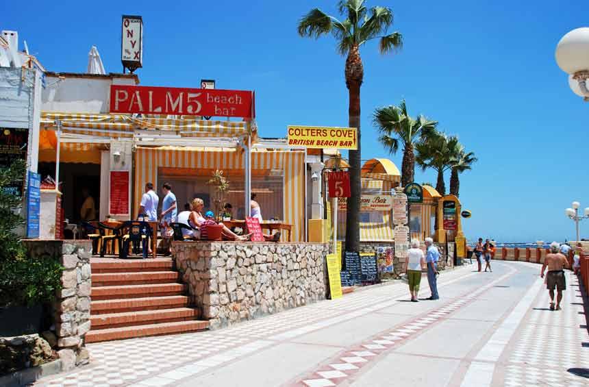 restaurantes frente a la playa de Santa Ana en Benalmadena