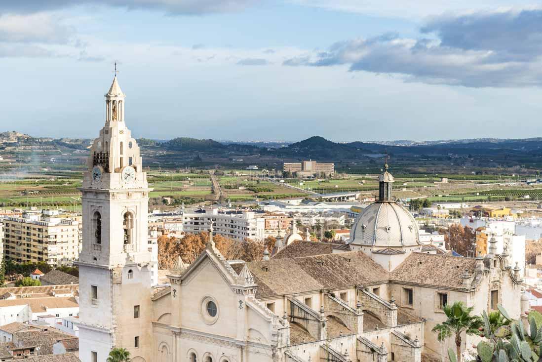 vista panoramica de la colegiata de santa maria de xativa