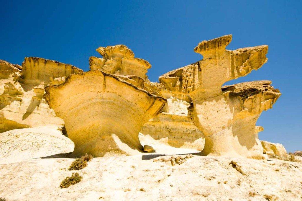 Imprescindibles de Mazarrón rocas de diferentes formas en las Gredas de Bolnuevo en Mazarron España