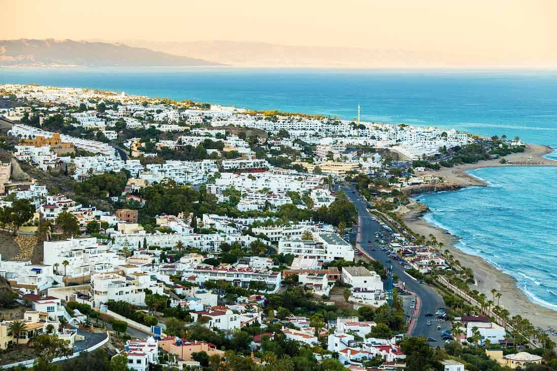 vista panoramica mojacar junto al mar en Almeria
