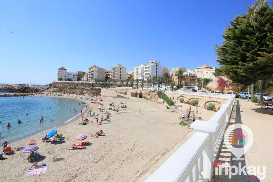 Playa de l'alguer en el centro de l'ametlla de mar