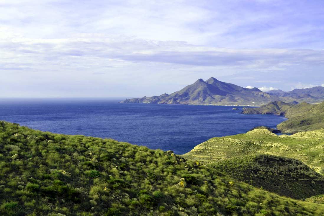 acantilados en la costa del Cabo de Gata en Almeria