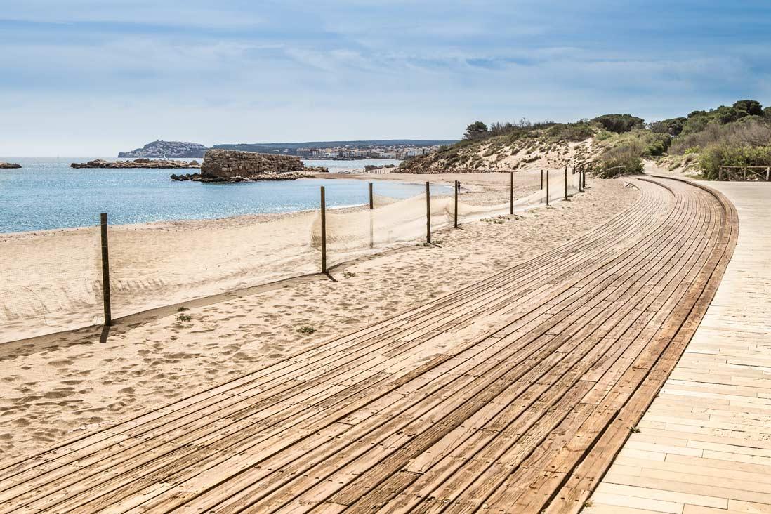 Imprescindibles de l'Escala camino de ronda sant marti d'empuries junto a la playa