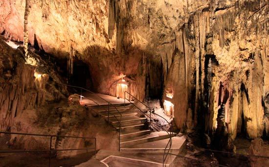 interior de las cuevas de Artà en Mallorca