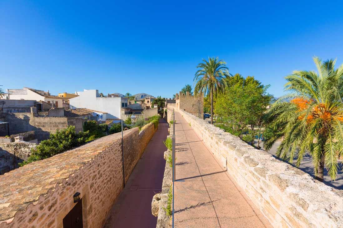 murallas de Alcudia en Mallorca