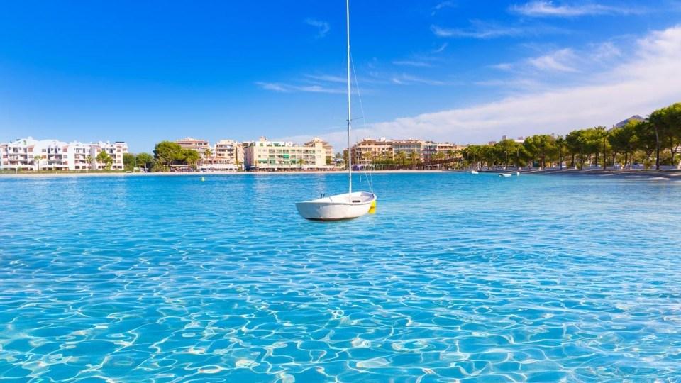 vista panoramica del puerto de alcudia en Mallorca