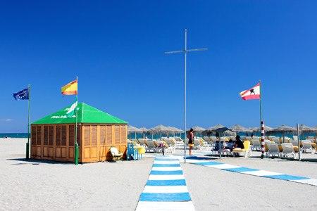 playa aguadulce de roquetas de mar