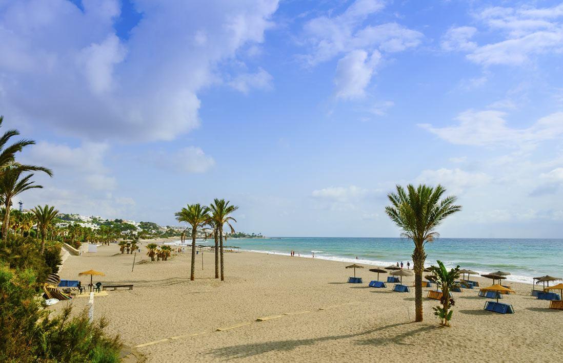 playa el Palmeral del centro de Mojacar en Almeria