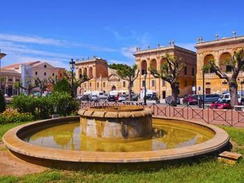 Plaza des Born en Ciutadella, Menorca