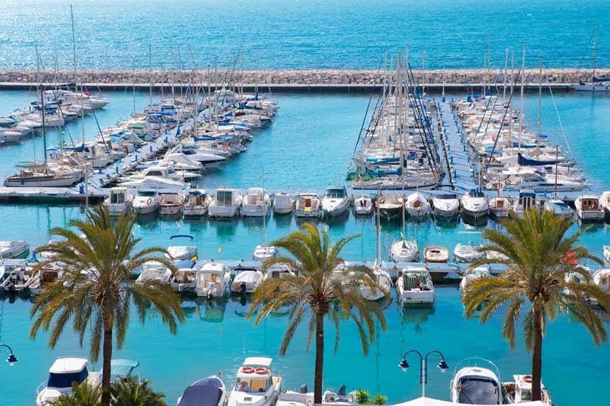 vista aerea del puerto de moraira