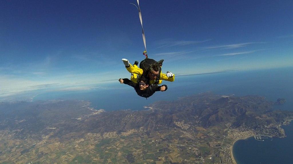 Imprescindibles en Empuriabrava salto en paracaidas