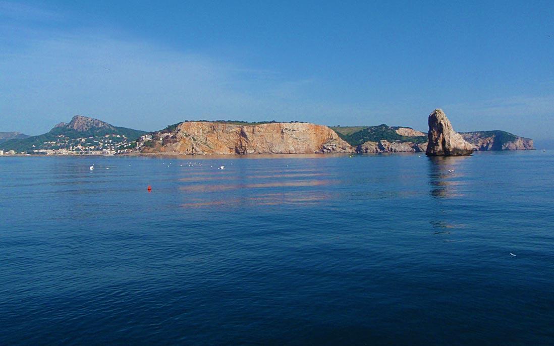 vista panoramica de l'estartit en la costa brava
