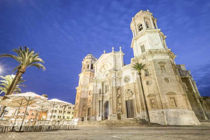Main facede Cadiz Cathedral at night